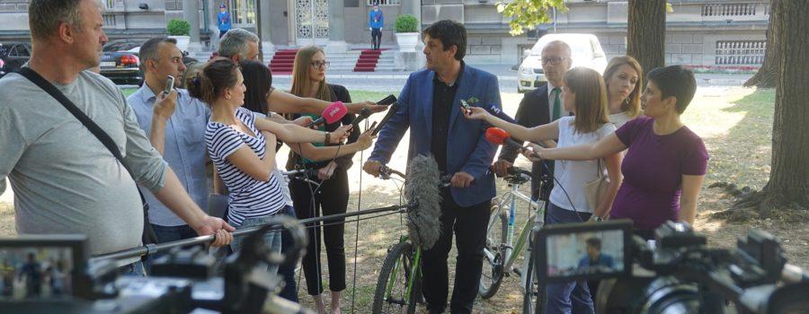 Zelena stranka kod predsednika Srbije na biciklima!