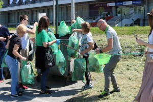 Po preporuci UN, Zelena stranka čistila obalu od plastike