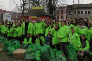 Zelene brigade za sat vremena sakupile 100 džakova smeća