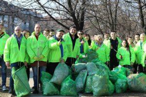 Zelene brigade u Beogradu nalazile  čitave džakove smeća bačene u žbunje