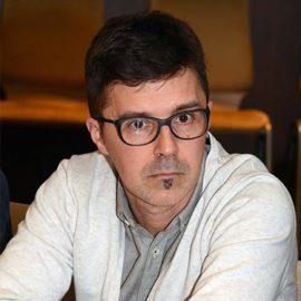 Dragan Apić